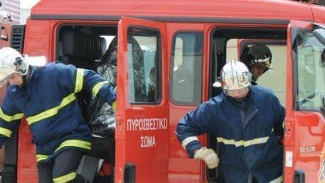 Αποτέλεσμα εικόνας για πυρκαγια πυροσβεστικη βιβλιοπωλειο βασιλικα