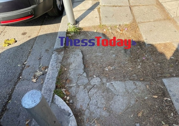 Νέα Εγνατία: Πεζοδρόμια και πινακίδες σε τραγική κατάσταση (ΦΩΤΟ), φωτογραφία-9