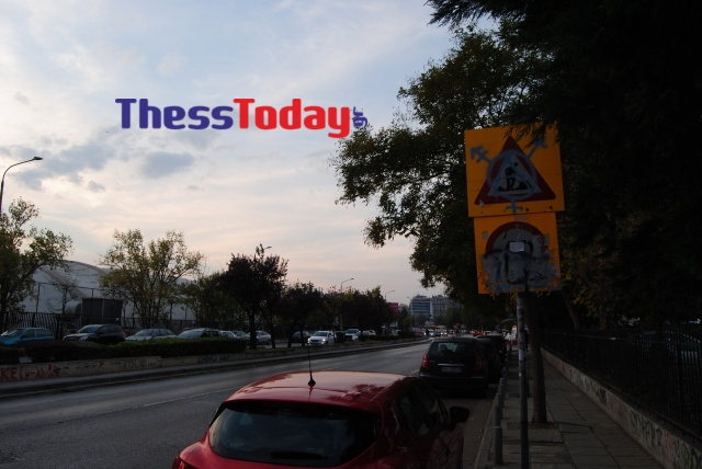 Νέα Εγνατία: Πεζοδρόμια και πινακίδες σε τραγική κατάσταση (ΦΩΤΟ), φωτογραφία-5