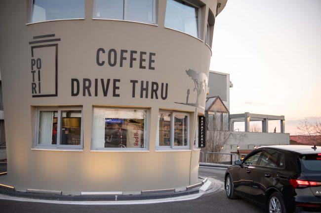 """Ένα """"Potiri"""" είναι το πρώτο coffee drive thru στη Θεσσαλονίκη, φωτογραφία-2"""